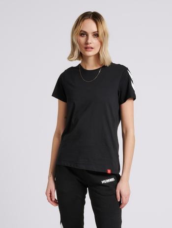hmlLEGACY WOMAN T-SHIRT, BLACK, model