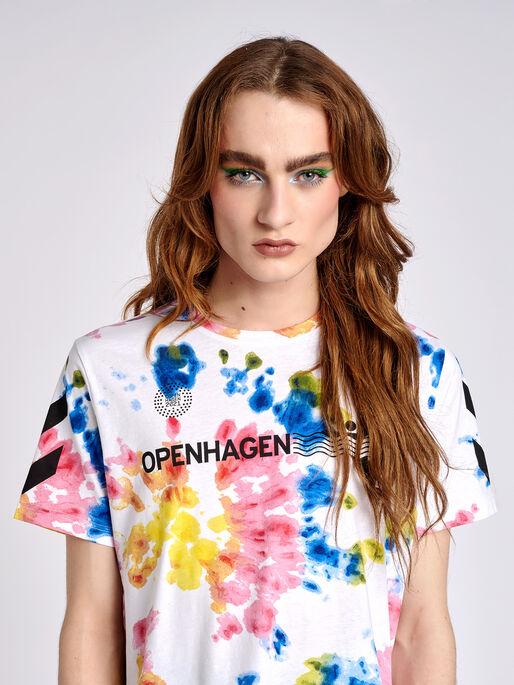 hmlOPENHAGEN TIE DYE T-SHIRT, MULTI COL., model