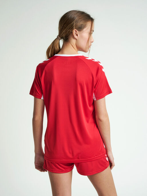 CORE TEAM JERSEY WOMAN S/S, TRUE RED, model