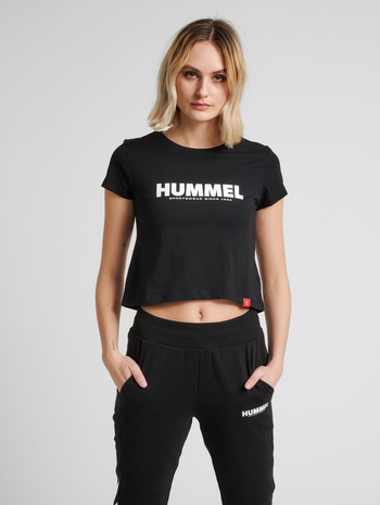 hmlLEGACY WOMAN CROPPED T-SHIRT, BLACK, model