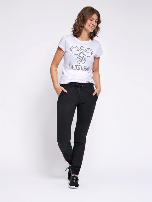 hmlNONI REGULAR PANTS, BLACK, model