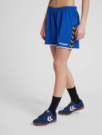 hmlAUTHENTIC POLY SHORTS WOMAN, TRUE BLUE, model