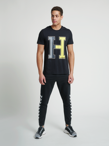 hmlRAY 2.0 TAPERED PANTS, BLACK, model