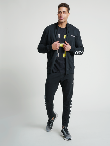 hmlISAM ZIP JACKET, BLACK, model