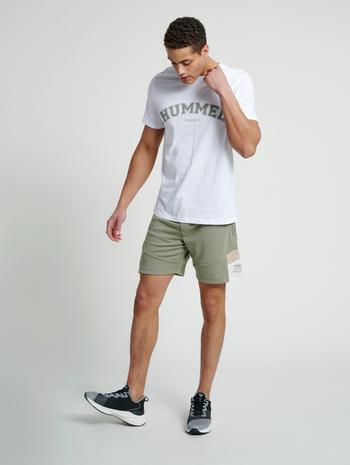 hmlVARSITY T-SHIRT, WHITE, model