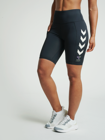 hmlMACI CYCLING SHORTS, BLACK, model