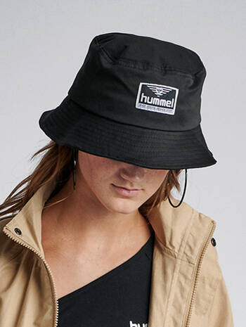 hmlVEJR HAT, BLACK, model