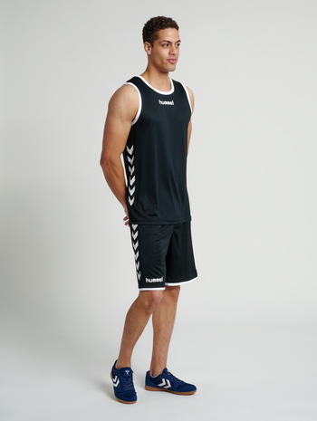 CORE BASKET JERSEY, BLACK, model