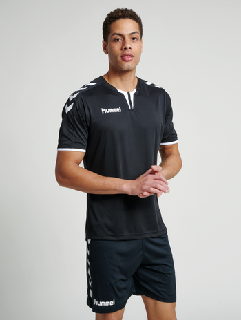 CORE SS POLY JERSEY, BLACK PR, model