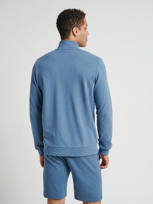 hmlISAM ZIP JACKET, CHINA BLUE, model