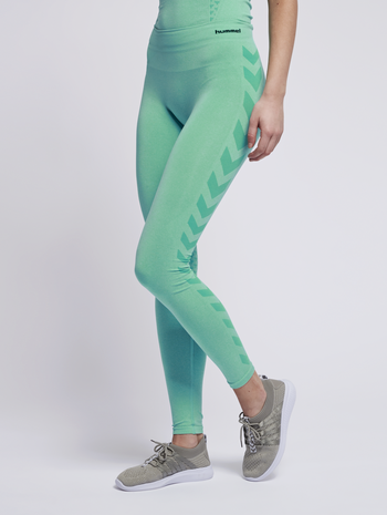 CLASSIC BEE CI SEAMLESS TIGHTS, ICE GREEN MELANGE, model