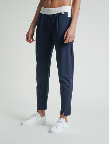 hmlCEDAR REGULAR PANTS, BLUE NIGHTS, model