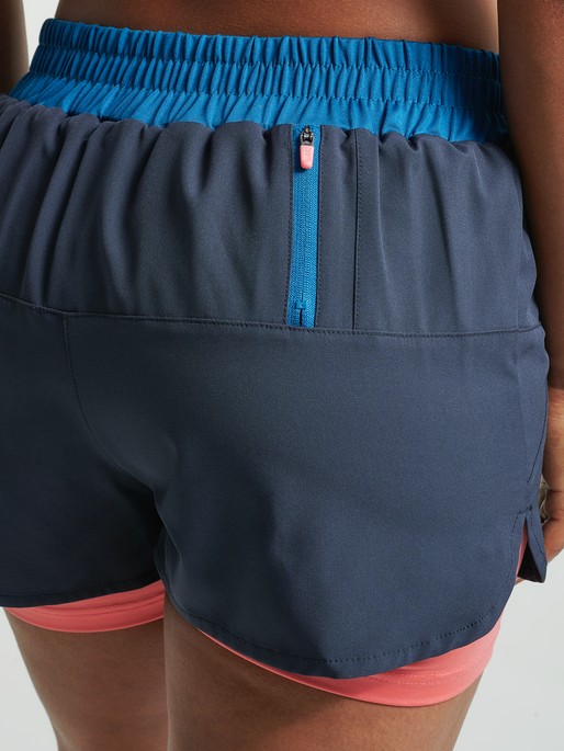 hmlVENKA 2 IN 1 SHORTS, BLUE NIGHTS, model