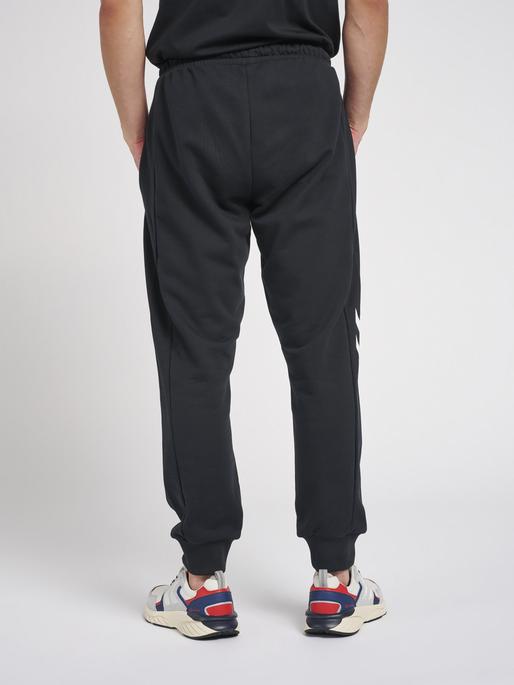hmlLGC GRAHAM REGULAR PANTS, BLACK, model