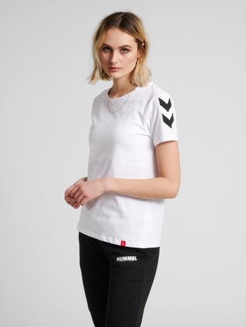 hmlLEGACY WOMAN T-SHIRT, WHITE, model