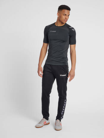 hmlAUTHENTIC SWEAT PANT, BLACK/WHITE, model